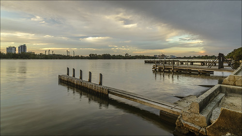 light sky building nature water clouds river landscape victoriapark jetty sony australia wideangle alpha westernaustralia swanriver carlzeiss a99 sal1635z variosonnar163528za slta99 stevekphotography