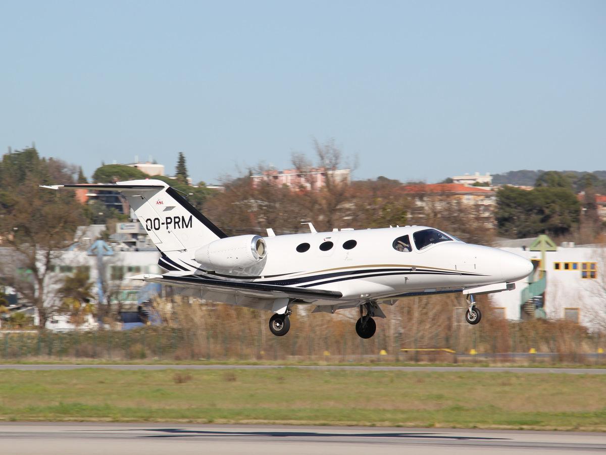 Aéroport de Cannes-Mandelieu [LFMD-CEQ] Mars 2015  16751461095_f1fec4c279_o