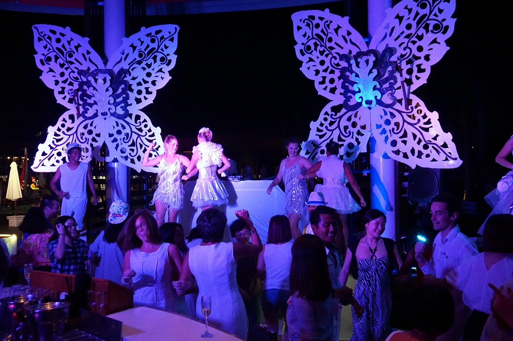 2 club med bali - night parties 1