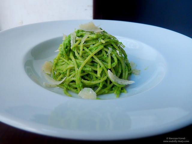 spaghete cu pesto
