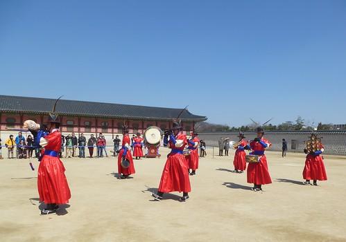 Co-Seoul-Palais-Gyeongbokgung-gardes (15)