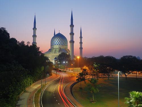 sunrise olympus mosque bluehour masjid omd lighttrail em5 masjidshahalam masjidsultansalahuddinabdulazizshah em5markii