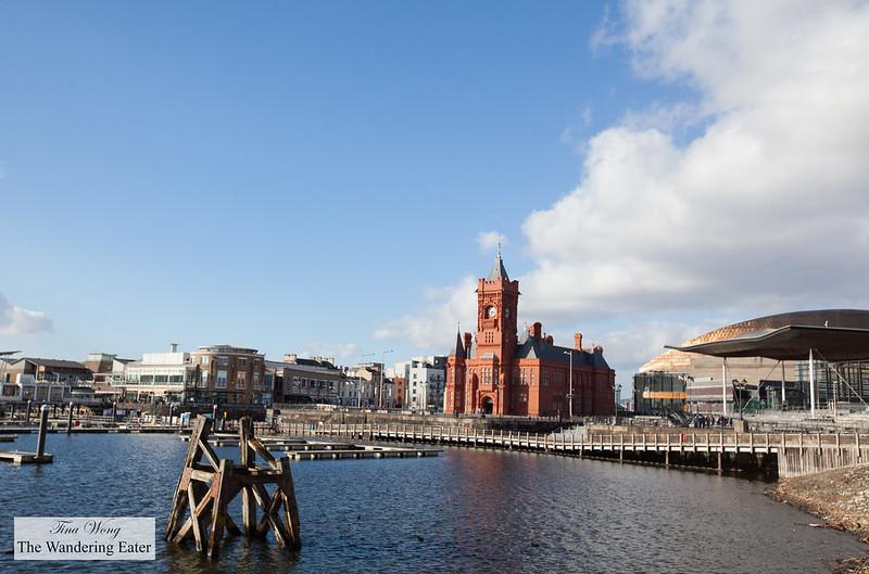 View around Cardiff Bay
