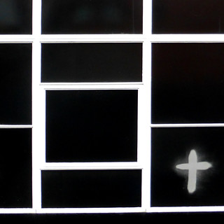 grid and cross