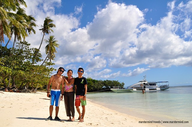 Pinoy Travel Bloggers in Paliton Beach Siquijor Island