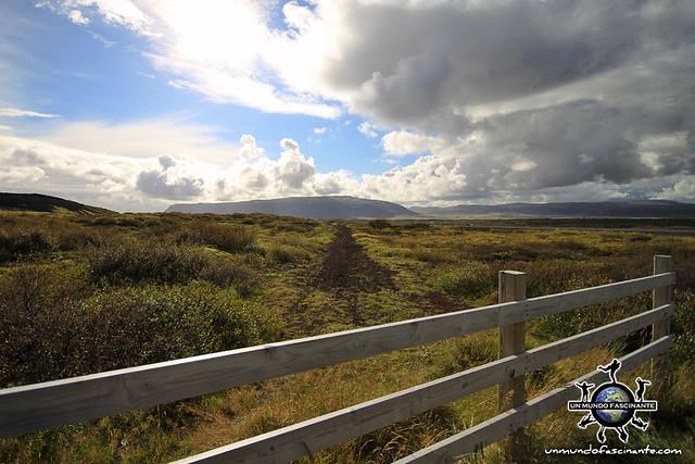 ISLANDIA - Thingvellir,  Þingvellir. De camino.
