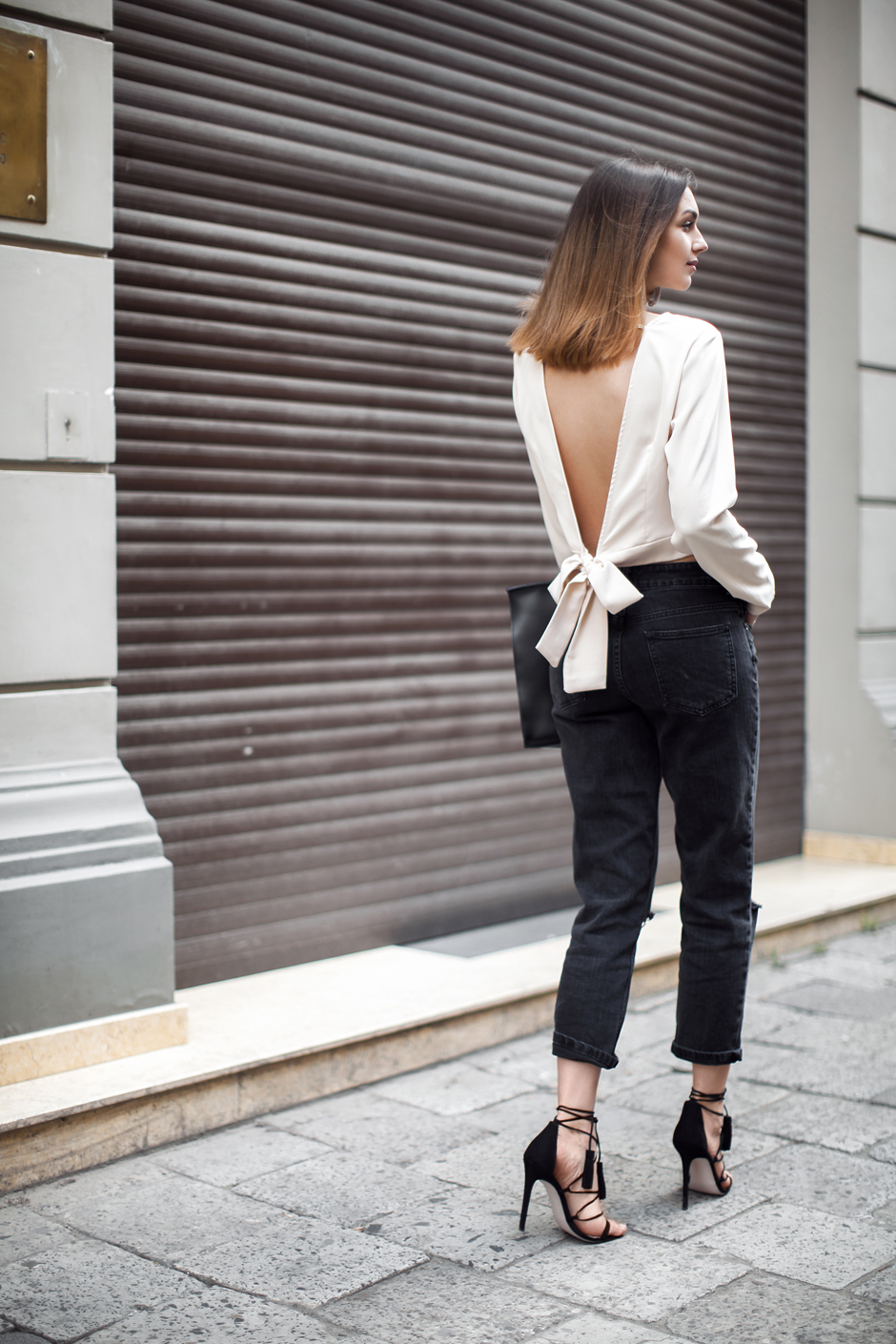 open-back-top-bow-outfit-street-style-blogger