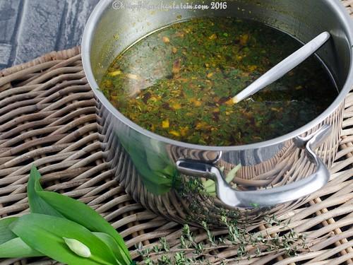 Bärlauch-Dinkelsuppe mit Sojasprossen (1)