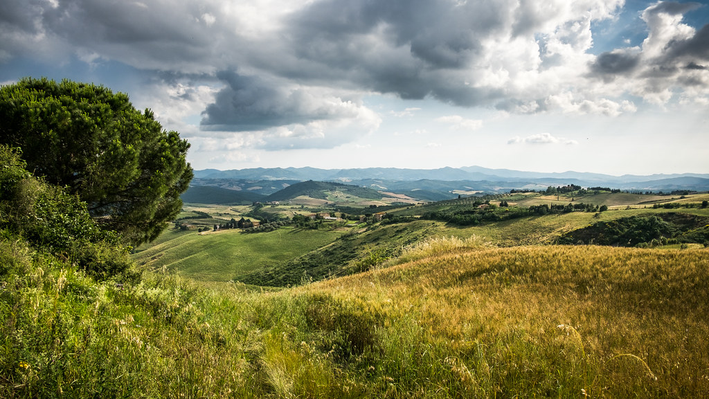 Tuscany landscape, Volterra, Italy picture