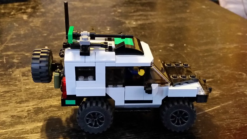 2010 Nissan Xterra 3 0 A Lego Creation By T W Mocpages Com