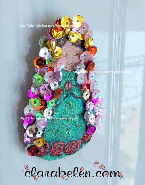 Como dibujar a la Virgen Maria con moldes de tapones de plástico