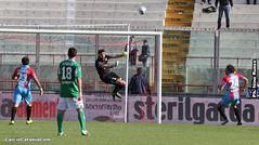 Catania-Avellino 1-0: Con le unghie, i denti e super-Terracciano