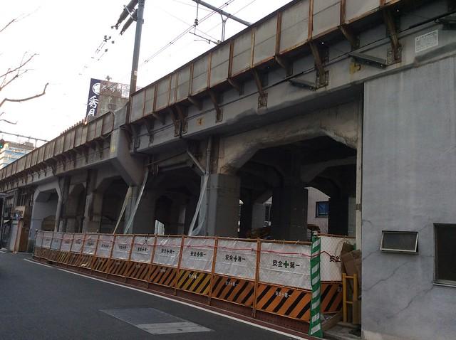 浅草橋駅高架下建築 (3)