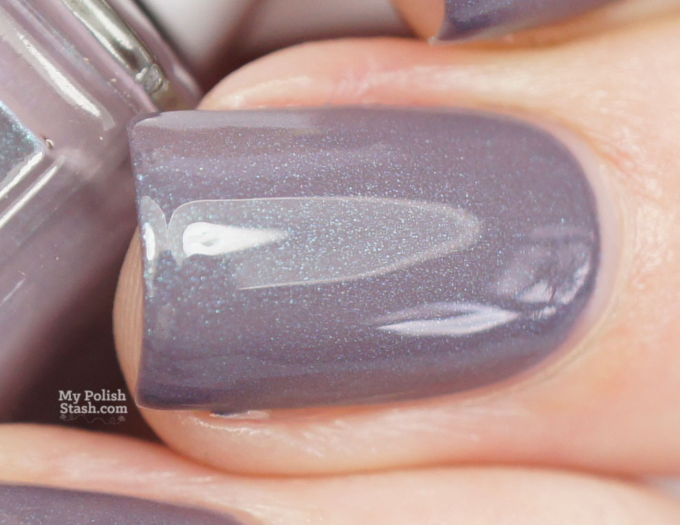 essie-coat-couture-cashmere-matte-collection-topcoat-macro2