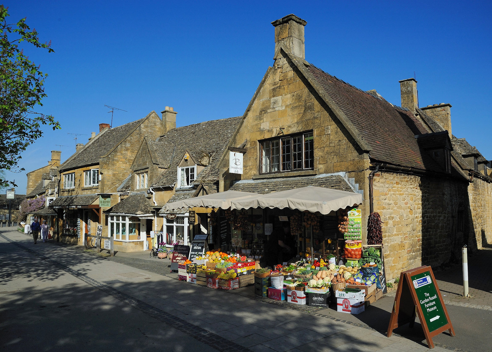 7 Reasons Why You Ll Fall In Love With The Cotswolds