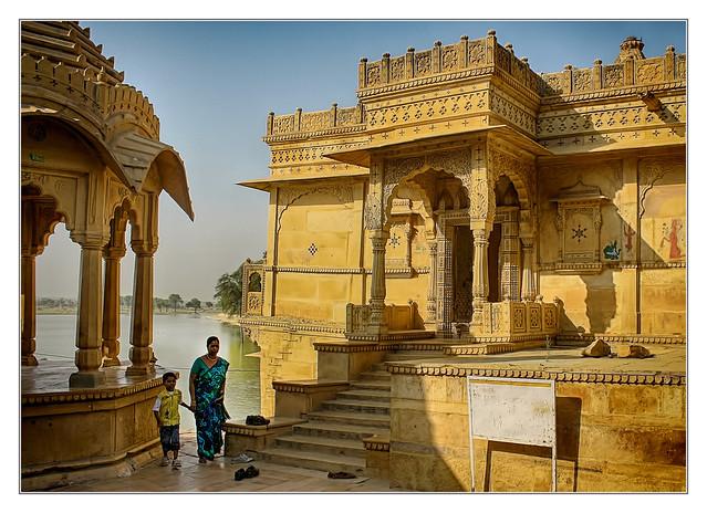 Jaisalmer IND - Gadsisar Lake with  Shiva temple 02
