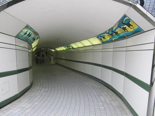 函館競馬場の公園への通路