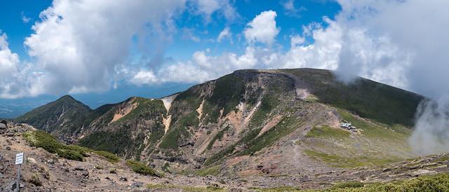 優しいくて雄大な山容の硫黄岳