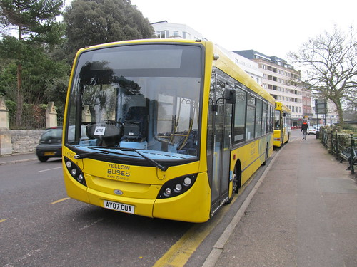 DE517 Yellow Buses Bournemouth AY07CUA