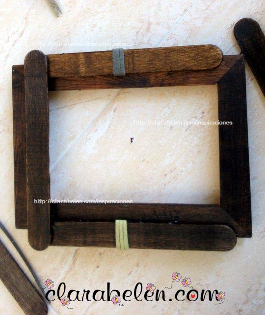 Como hacer marcos de fotos con palos de polo