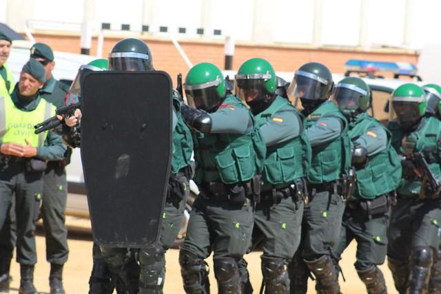 AionSur 16920167321_20493ec580_z_d 7 destacamentos de la Guardia Civil que trabajan en la comarca por la seguridad de la población Educación Guardia Civil en colegios
