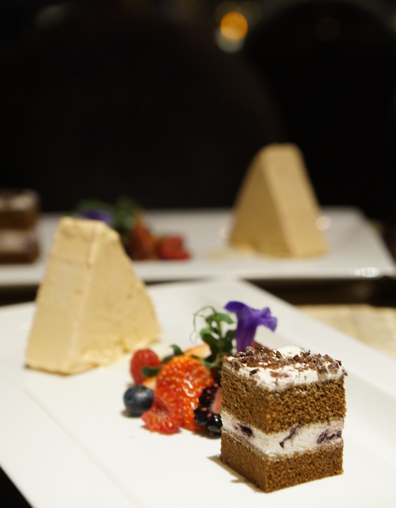 batch_The Golden Peacock - review - Macau michelin star restaurant - halal food-014