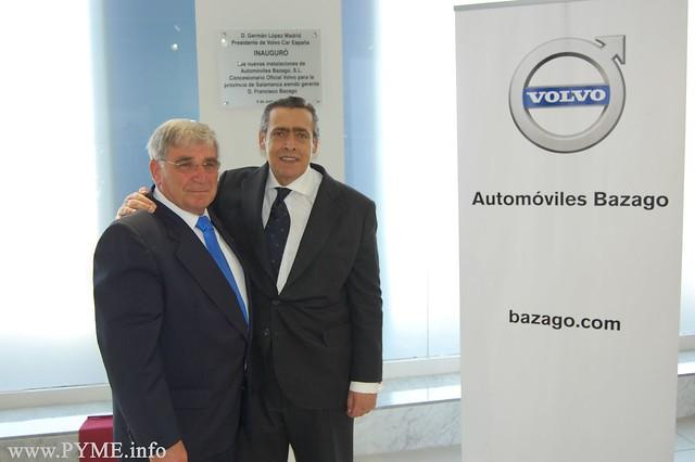Francisco Bazago, gerente de Autómoviles Bazago, junto al presidente de Volvo España, Germán López Madrid.