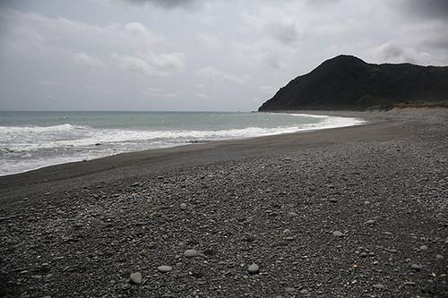 阿朗壹古道旭海一帶的礫灘。攝影:朱雲瑋
