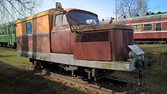 vehicle, train, transport, rail transport, locomotive, passenger car, rolling stock, track, land vehicle, railroad car,