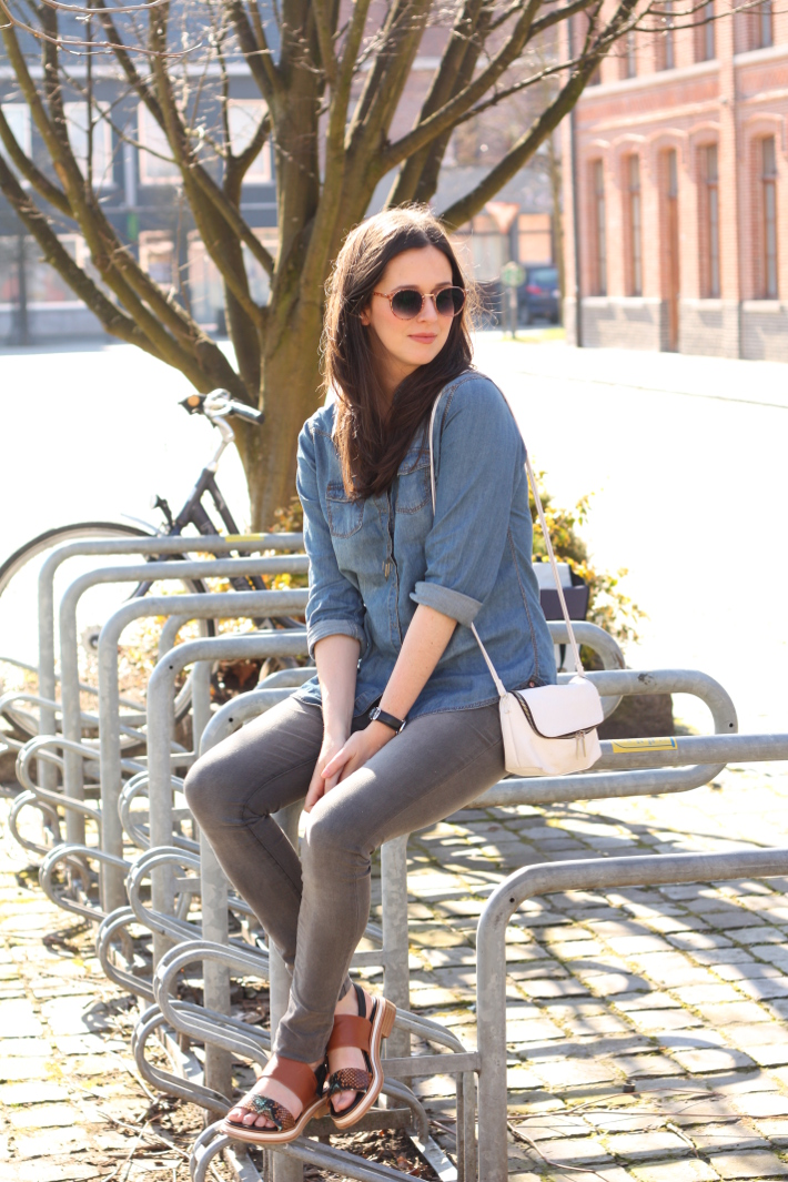 outfit: casual in denim shirt, grey skinnies and zinda snakeskin sandals