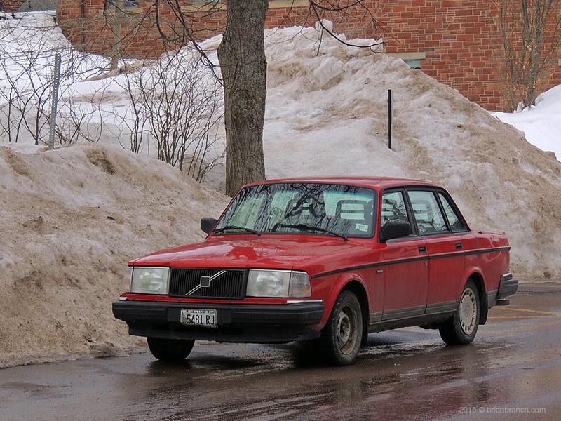 _DSCN9749_red_Volvo