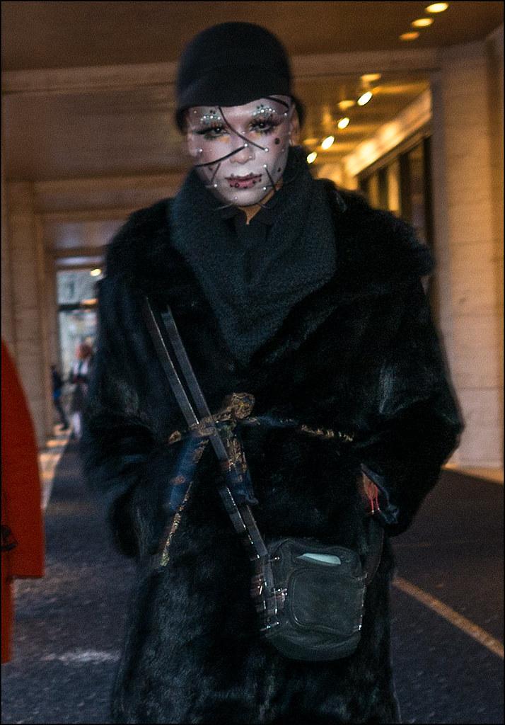 FW2-15  57m applique face black fur coat