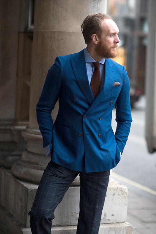 青ダブルブレストジャケット×青シャツ×エンジニットタイ