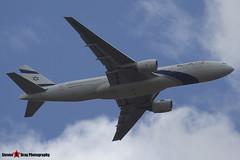 4X-ECF - 36084 655 - EL AL Israel Airlines - Boeing 777-258ER - Luton M1 J10, Bedfordshire - 2014 - Steven Gray - IMG_1570