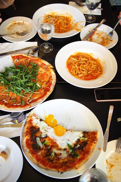 Signature pizza, crab tomato cream linguine, La Nonna, 26 Lorong Mambong, Holland Village, Singapore