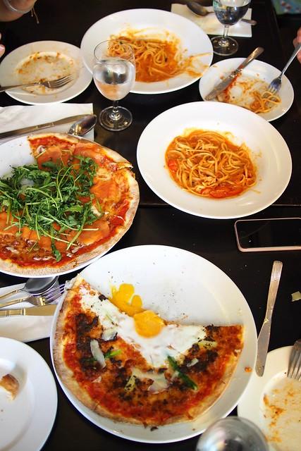 Signature pizza, crab tomato cream linguine, La Nonna, 26 Lorong Mambong, Holland Village, Singapore