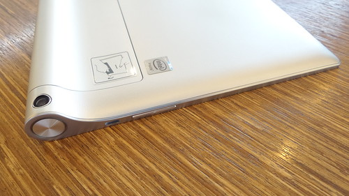 Lenovo Yoga Tablet 2 10.1 ด้านซ้าย