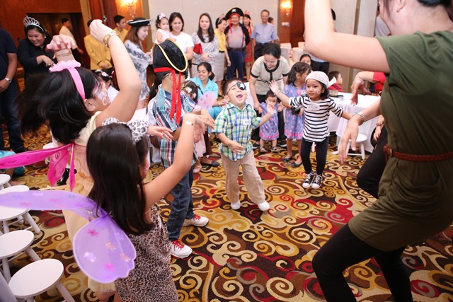 Treasure hunts, Peter Pan storytelling, and other games and activities