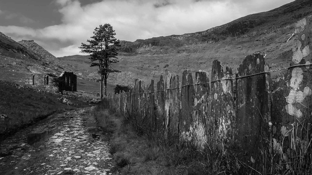 Black and white landscapes cwmorthin