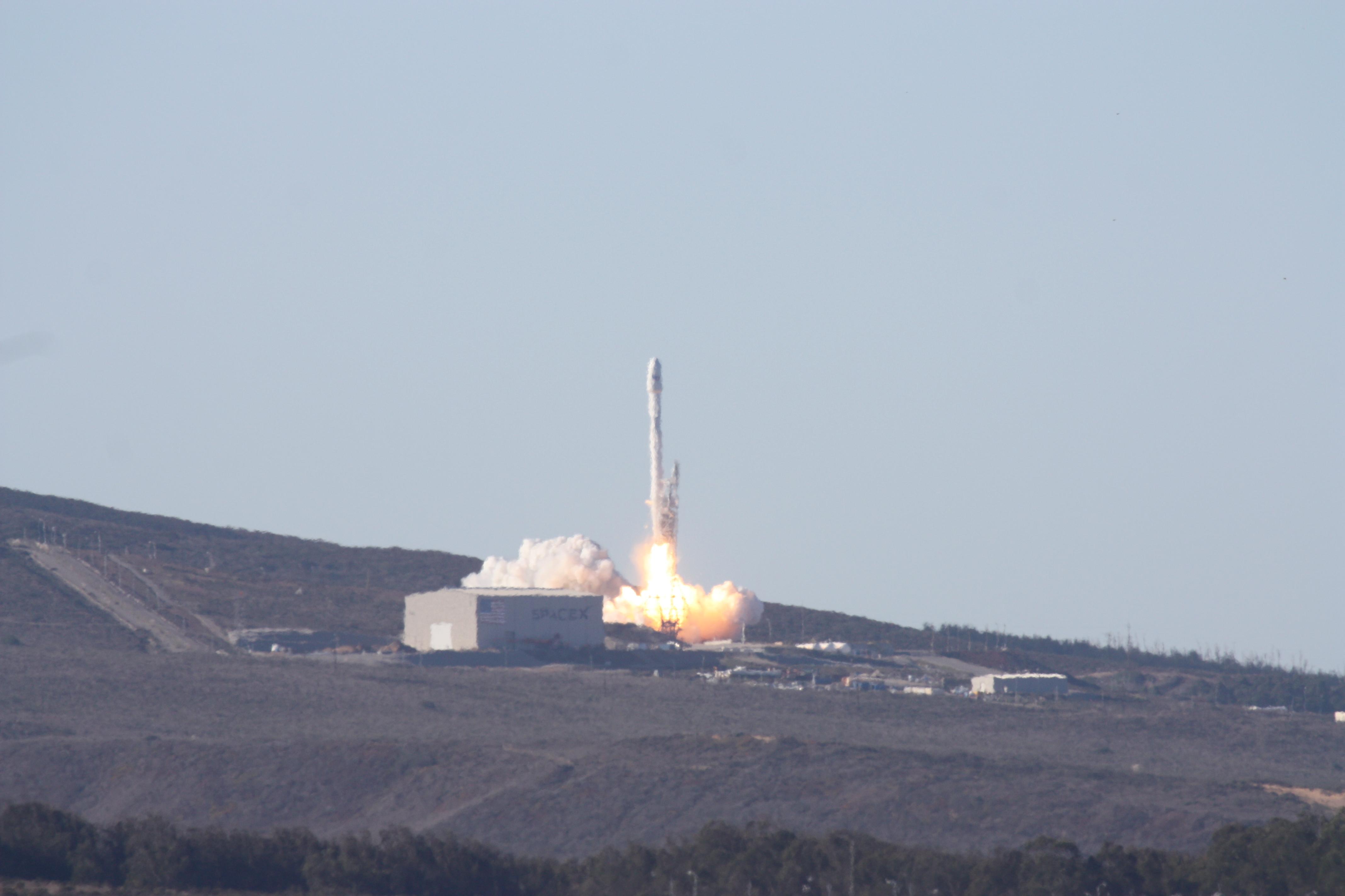 spacex falcon v1.1 vandenberg arrives - photo #39