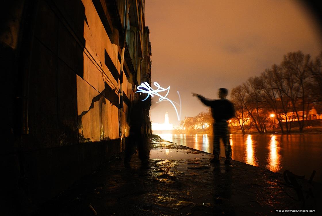 06-20091227-eak_bomb_on_crisul_repede_riverside-oradea-grafformers_ro