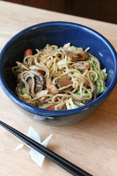 5:2 Chicken & Mushroom Chow Mein (196 calories)