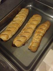 meal(0.0), dessert(0.0), baking(1.0), bread(1.0), baked goods(1.0), ciabatta(1.0), food(1.0), dish(1.0), cuisine(1.0), baguette(1.0),