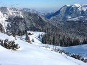Silvester mit Hütte in den Bergen. Stuibenhütte im Wetterstein-Gebirge. Foto: Günther Härter.