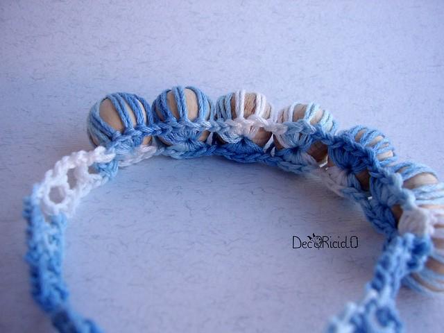 collana perle di legno e cotone all'uncinetto 4