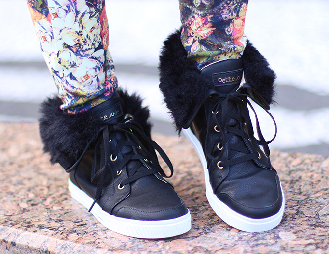 07-look doa dia calça estampa com tênis pelo petite jolie blog sempre glamour jana taffarel