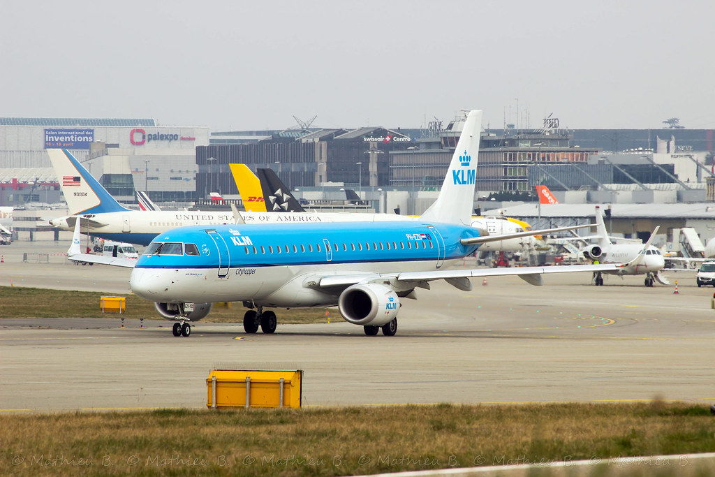 Aéroport de Genève-Cointrin [LSGG-GVA] 16721970887_bbd6fff322_b
