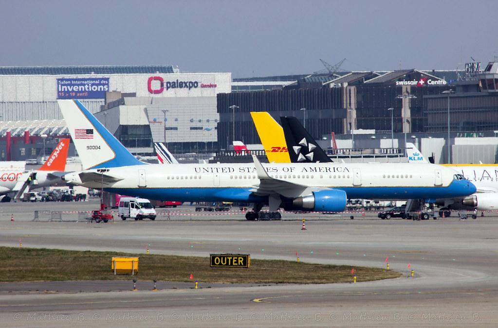 Boeing C-32A 16741873650_6ae96210de_b
