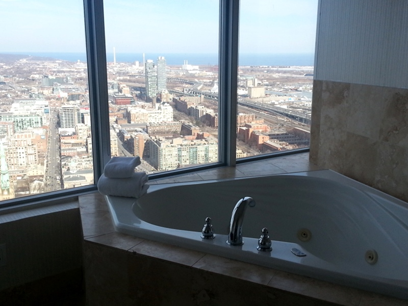 1 King West Toronto Jacuzzi