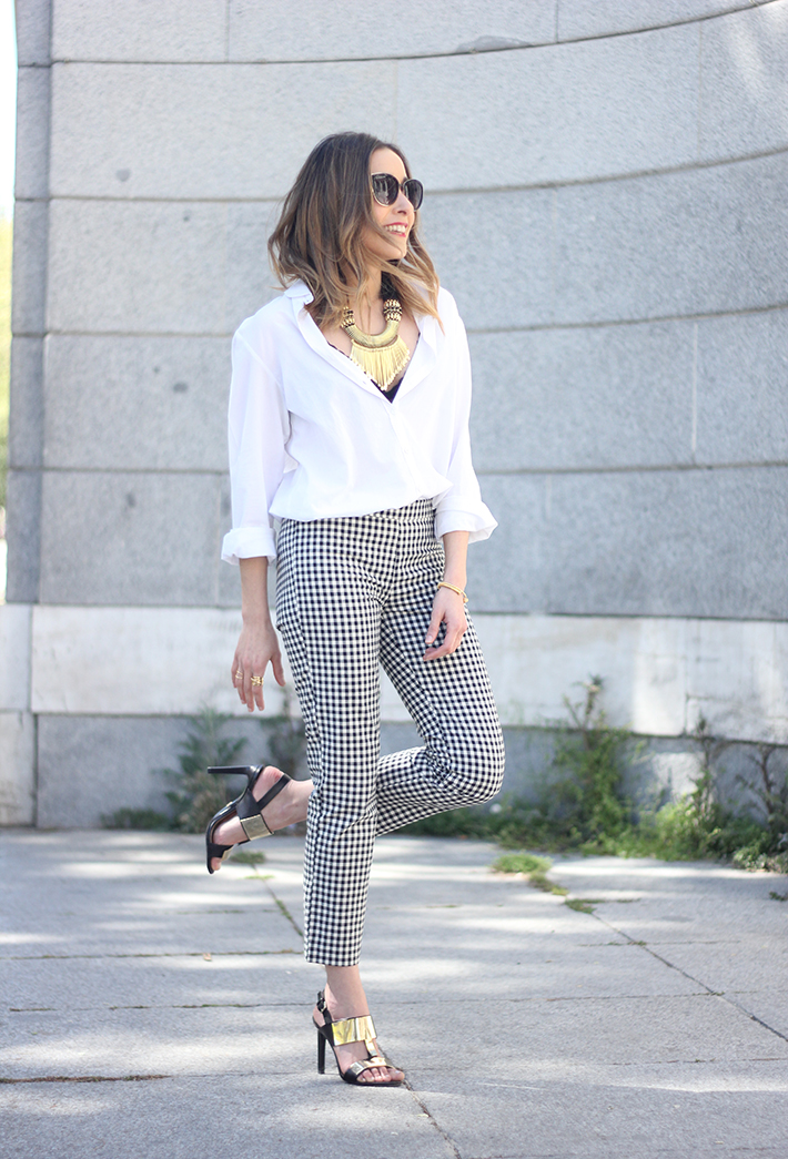 vichy trousers zara white shirt black sandals 09